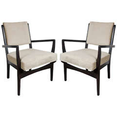 Luxe Pair of Mid-Century Modernist Occasional Armchairs in Hand-Rubbed Walnut