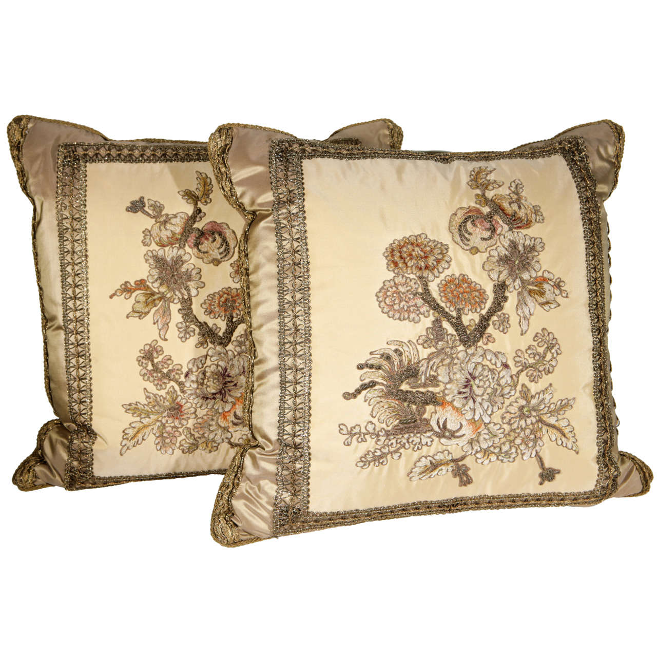 Pair of 19th Century French Fragment Pillows For Sale