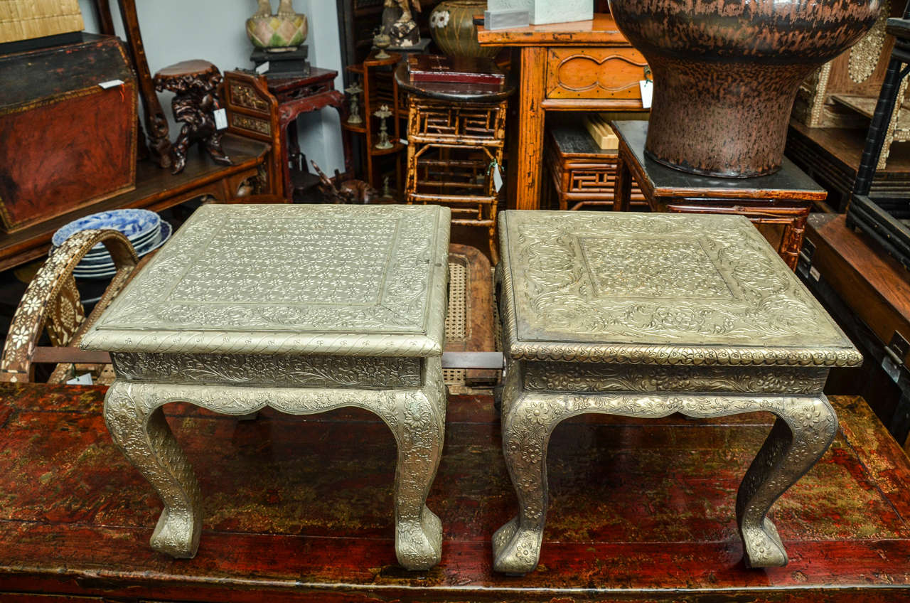 Turn Of The Century Indian Hammered Silver Side Table With Queen Ann - Hammered silver side table
