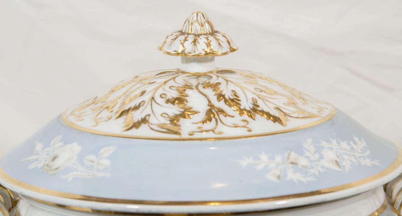English Antique Porcelain Blue Worcester Tureen For Sale