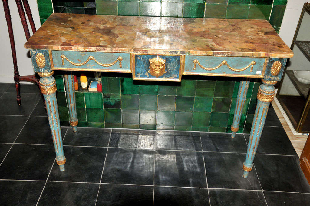A decorative Italian Neoclassical painted console table with faux marble top In Good Condition For Sale In Baambrugge, NL