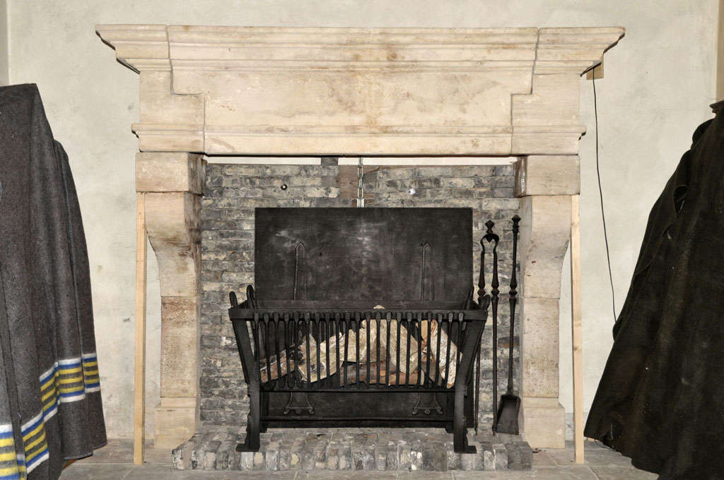 17th Century French Limestone Fireplace At 1stdibs