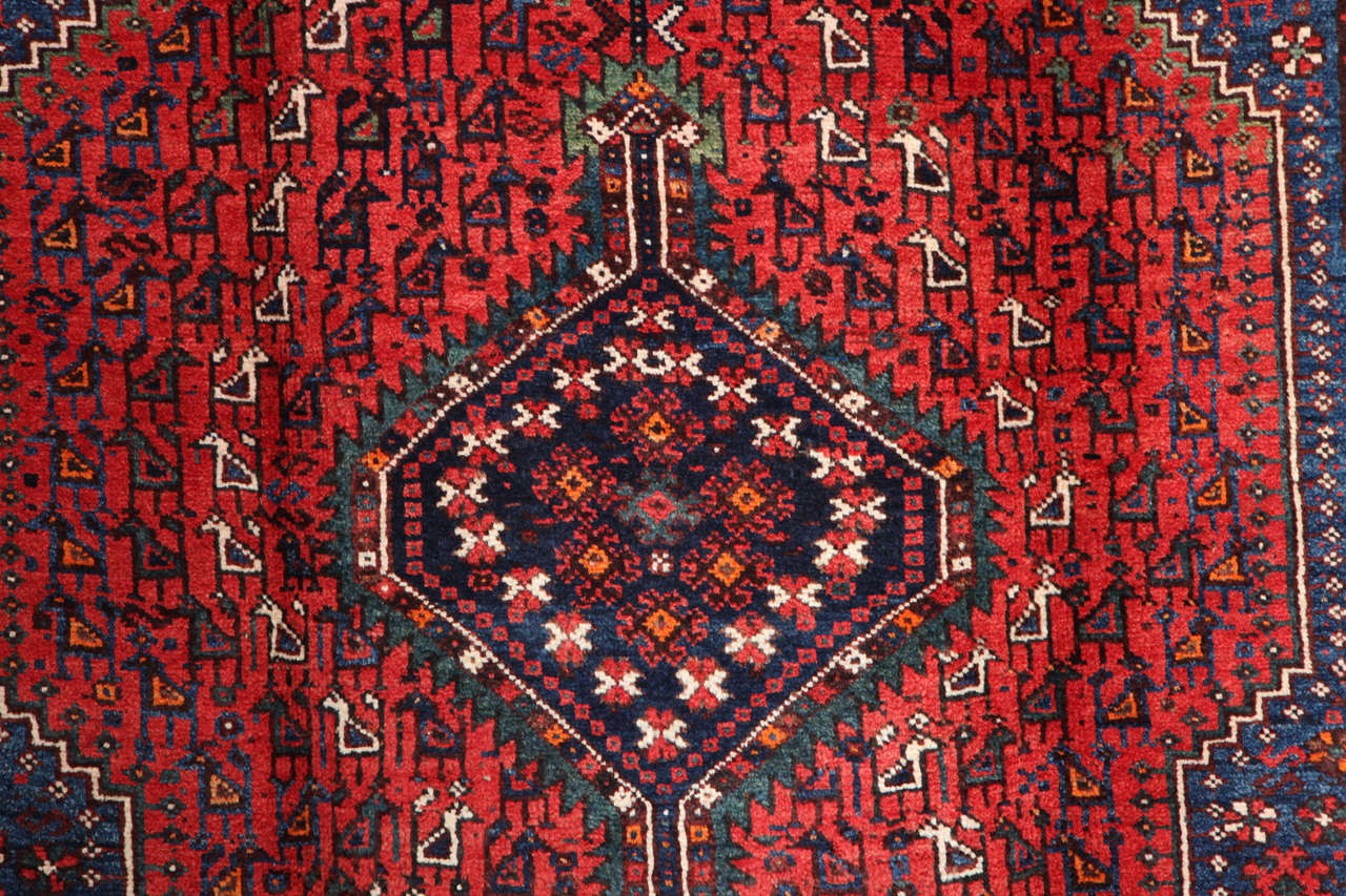 Persian Qashqai Carpet, circa 1920 in Pure Handspun Wool and Vegetable Dyes In Excellent Condition For Sale In New York, NY