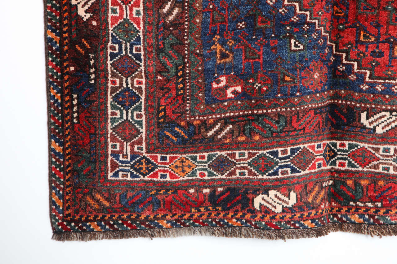 Early 20th Century Persian Qashqai Carpet, circa 1920 in Pure Handspun Wool and Vegetable Dyes For Sale