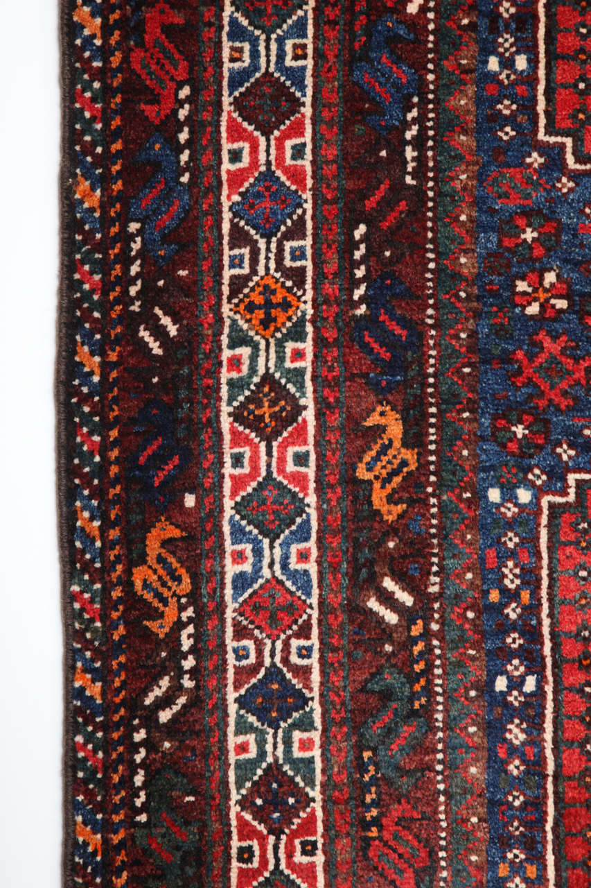 Persian Qashqai Carpet, circa 1920 in Pure Handspun Wool and Vegetable Dyes For Sale 1