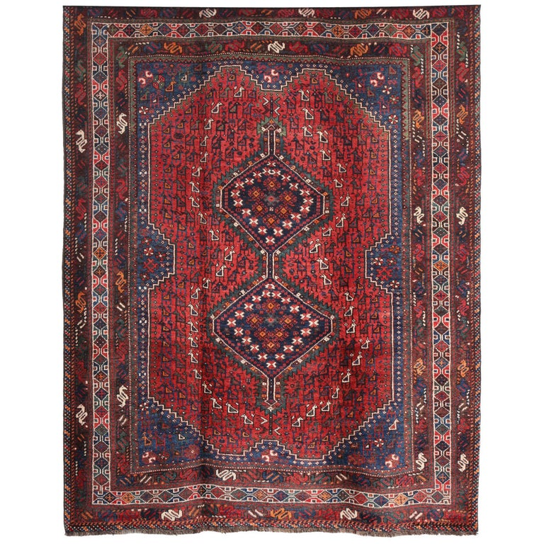 Persian Qashqai Carpet, circa 1920 in Pure Handspun Wool and Vegetable Dyes For Sale