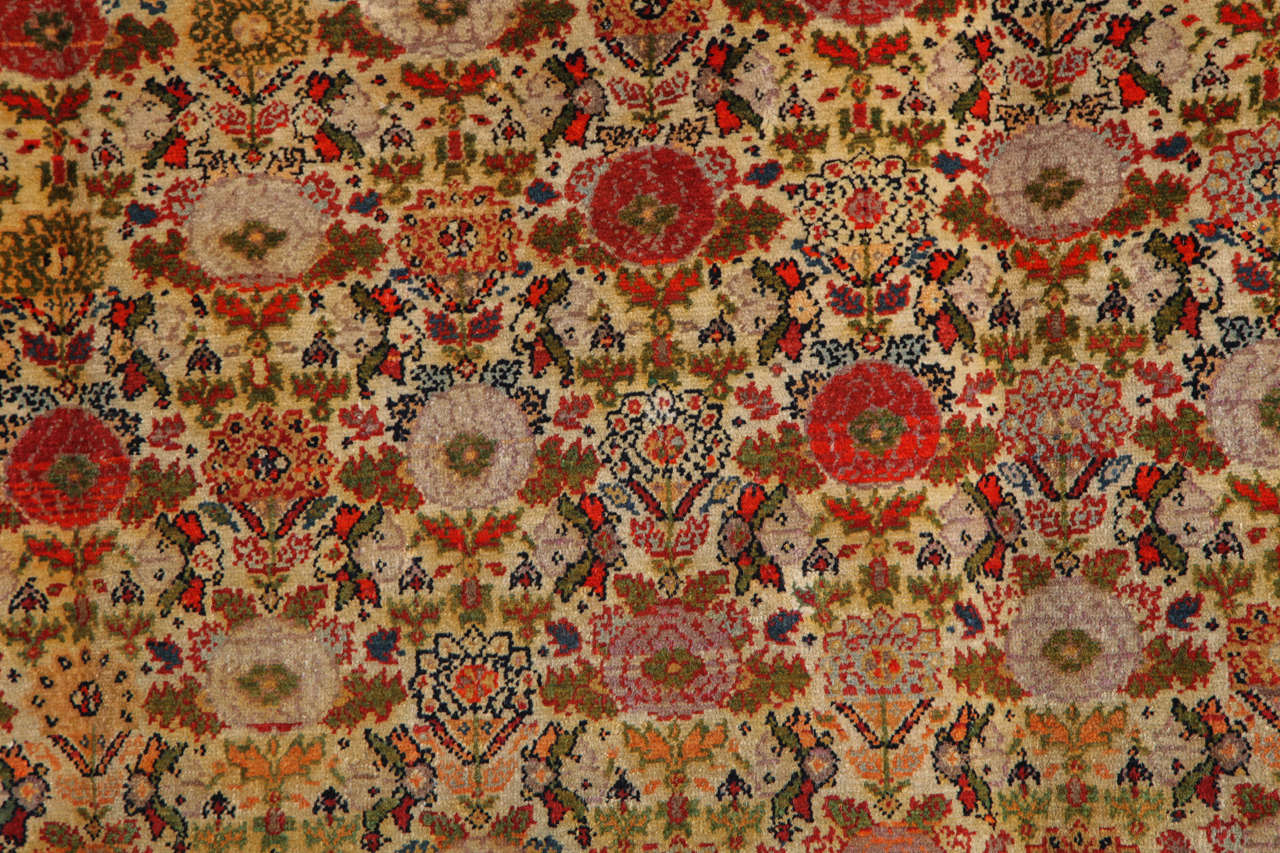 Persian Mishan Malayer Carpet with Wool Pile and Vegetable Dyes, circa 1890 In Excellent Condition For Sale In New York, NY