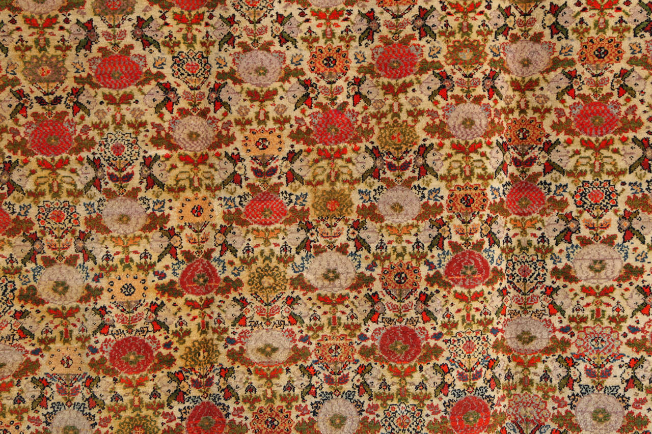 Persian Mishan Malayer Carpet with Wool Pile and Vegetable Dyes, circa 1890 For Sale 3