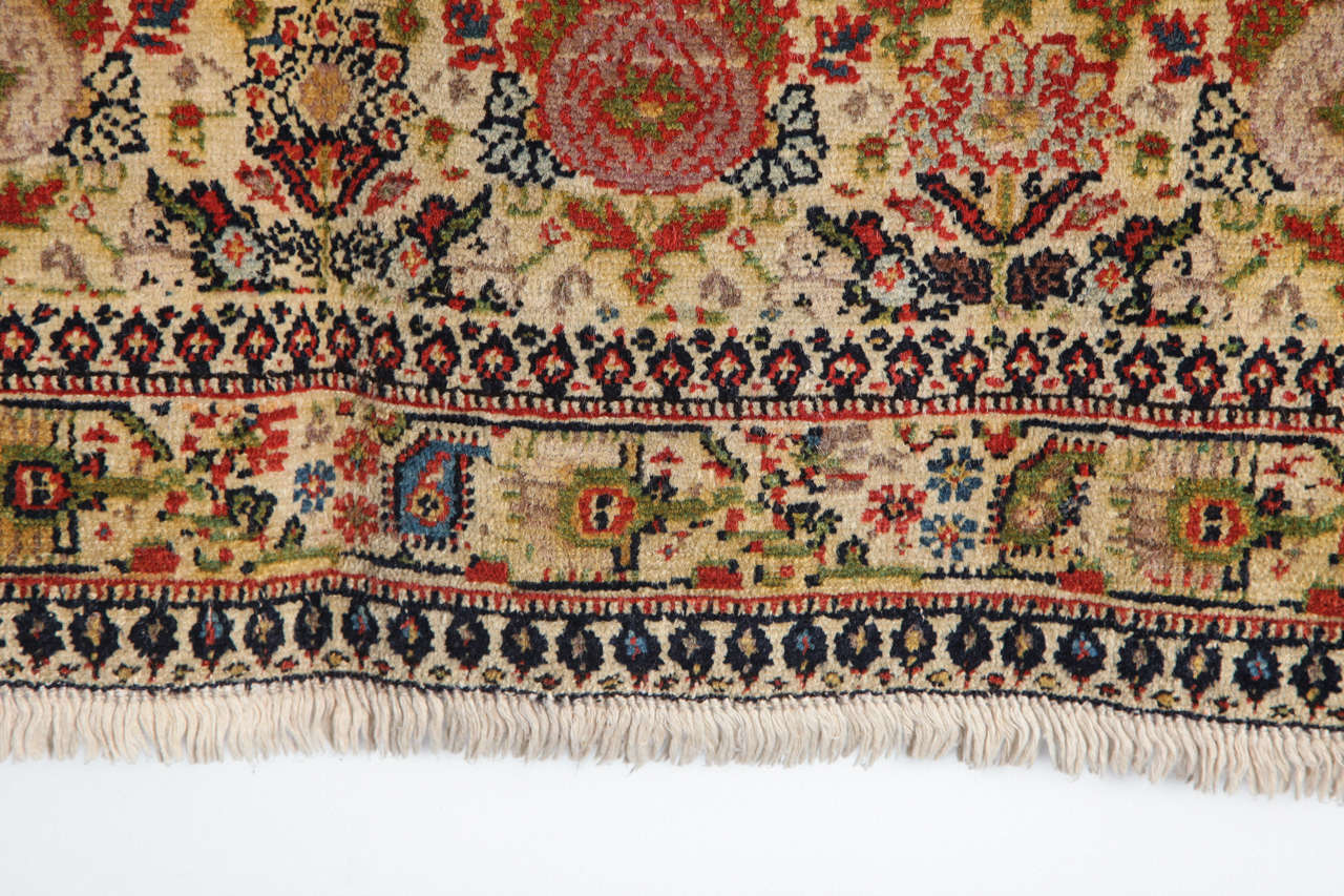 Persian Mishan Malayer Carpet with Wool Pile and Vegetable Dyes, circa 1890 For Sale 4