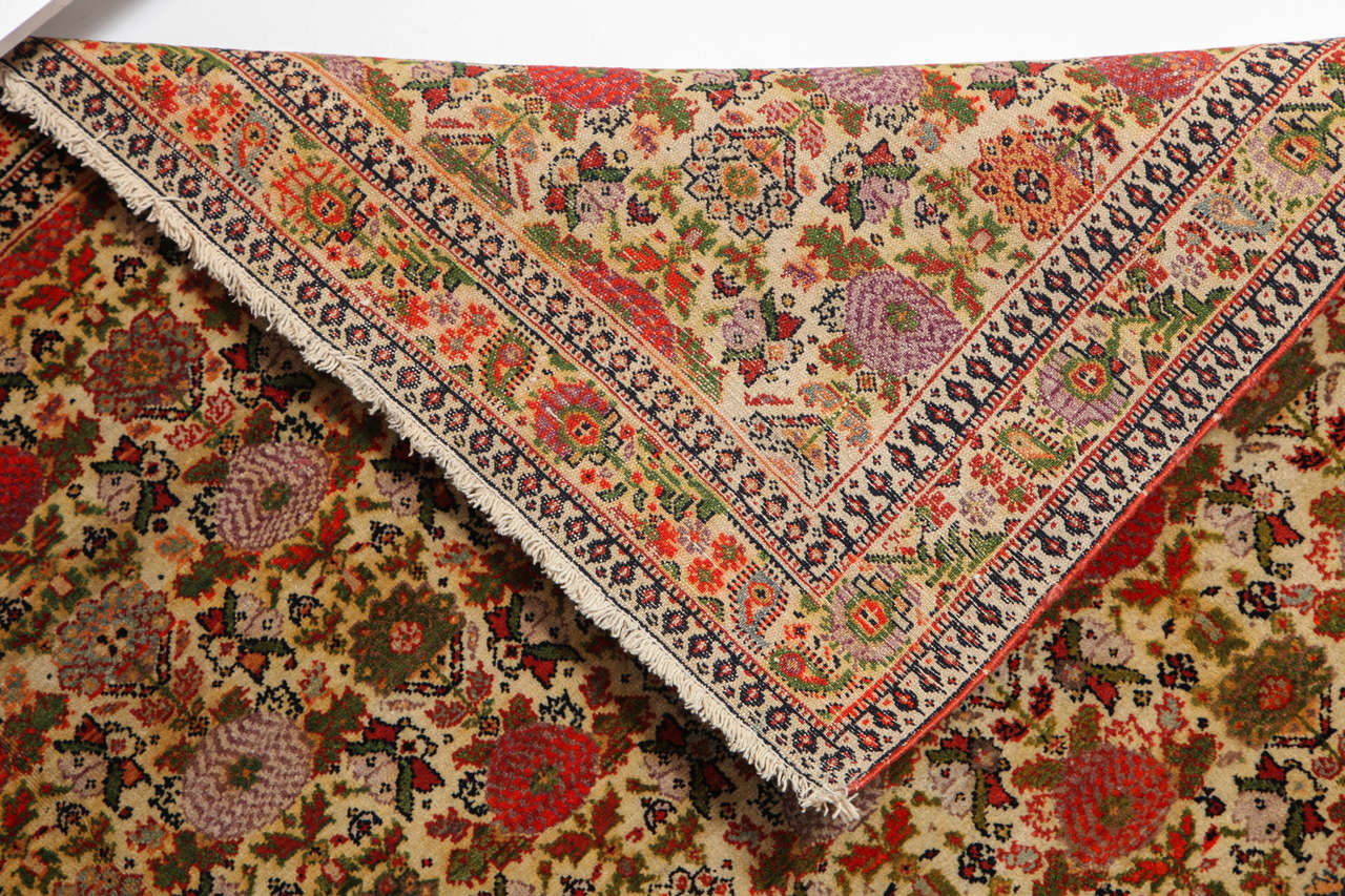 Persian Mishan Malayer Carpet with Wool Pile and Vegetable Dyes, circa 1890 For Sale 5