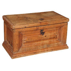 18th c. Oak Chest