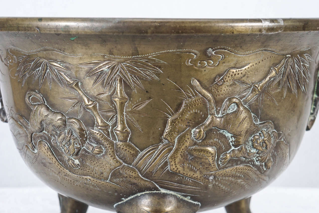 Japanese Late 19th Century Meiji Period Cast Bronze Planter In Good Condition In Hudson, NY