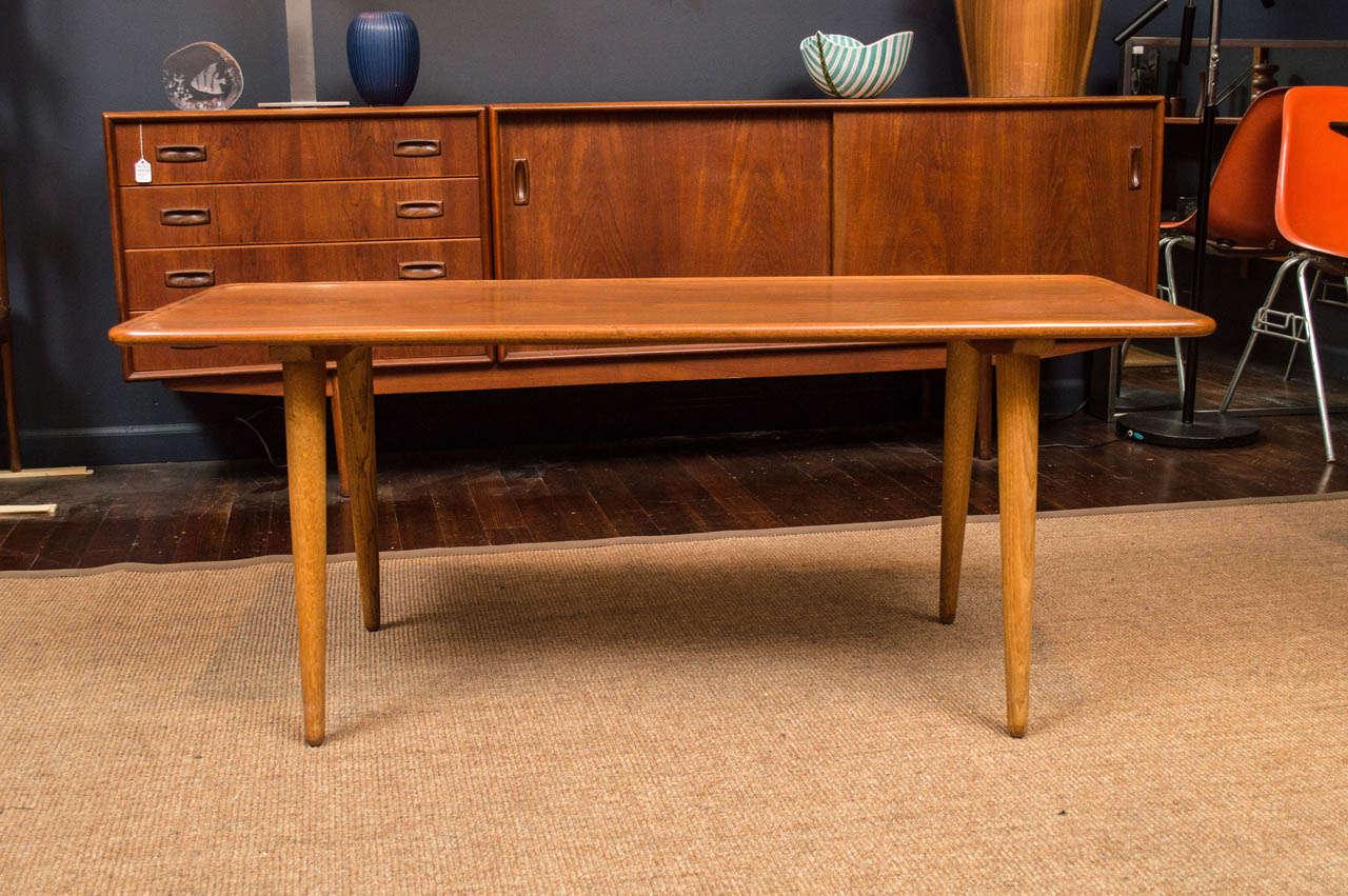 Mid-Century Modern Hans Wegner Coffee Table For Sale