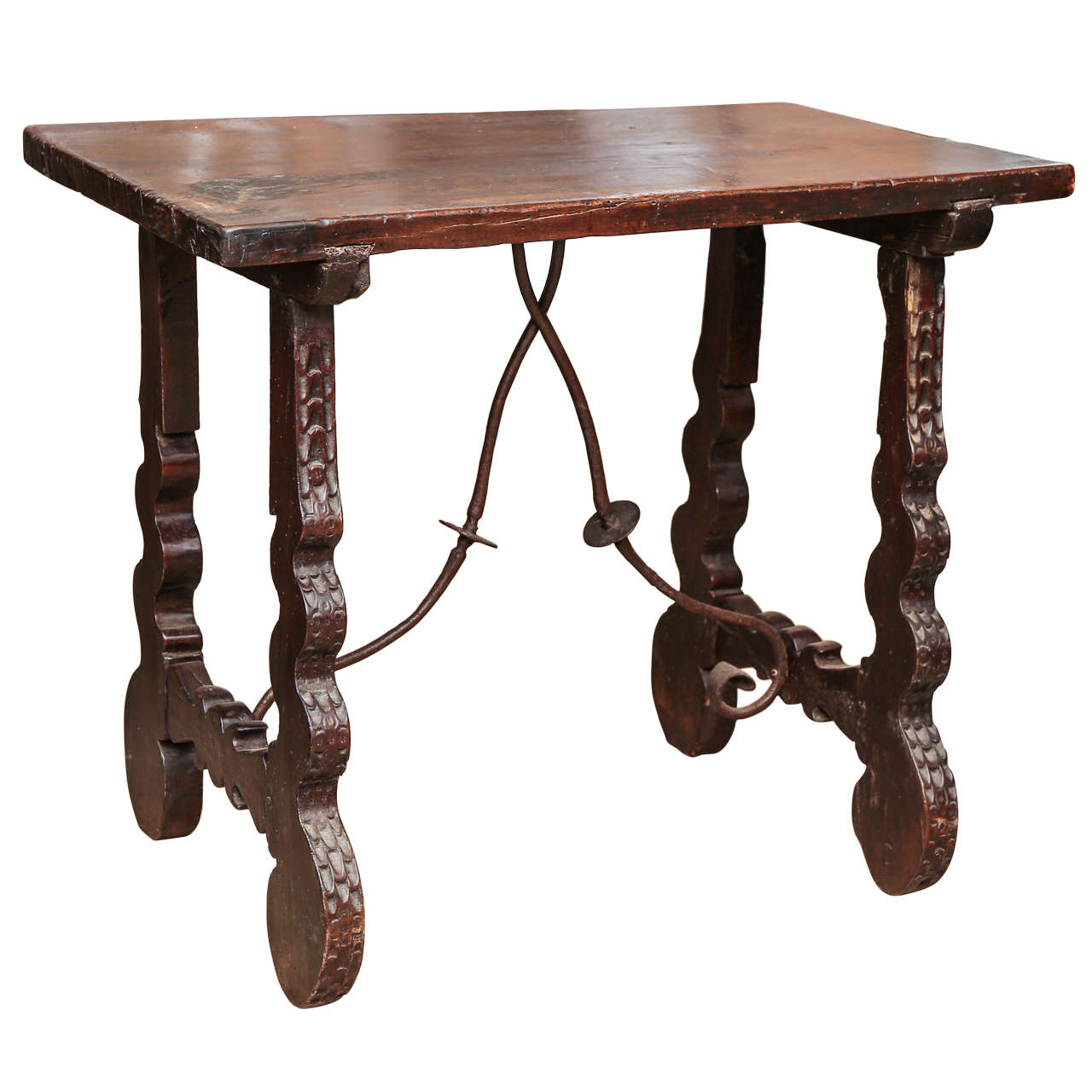 Early 19th century spanish side table at 1stdibs for Table in spanish
