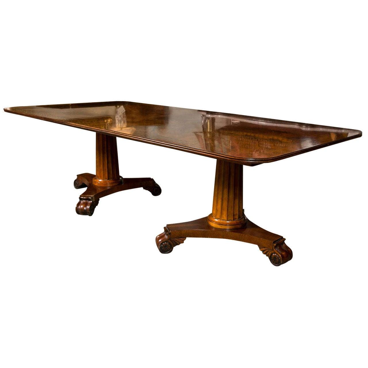 Henredon banded crotch mahogany dining table at 1stdibs for Mahogany dining table