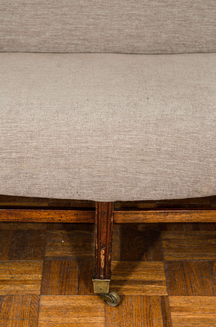 19th Century Hepplewhite Sofa In Excellent Condition For Sale In New York, NY