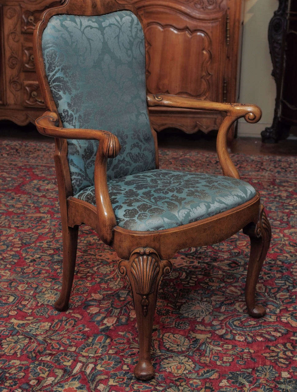 Set Of 12 Antique Walnut Queen Anne Style Dining Chairs