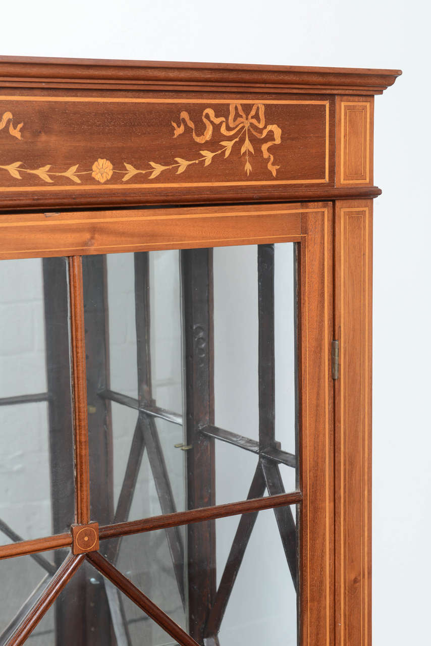 English Antique Mahogany Display Cabinet Made In England, Satinwood Inlay  For Sale