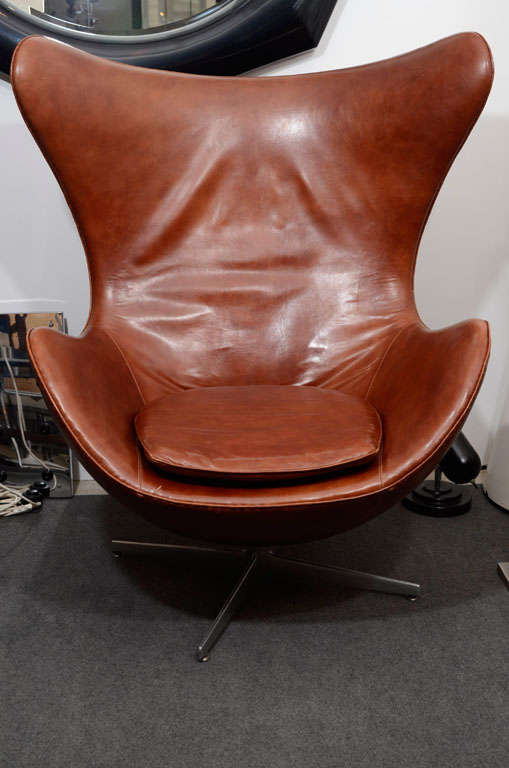 vintage egg chair in brown leather by arne jacobsen 2