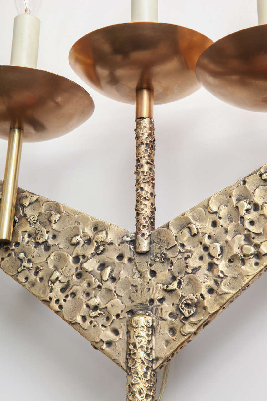 Pair of 1960s Modernist Sculptural Brass Wall Light Sconces In Excellent Condition For Sale In New York, NY