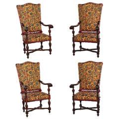 Fine Set of Four Italian  19'century Walnut Carved Armchairs