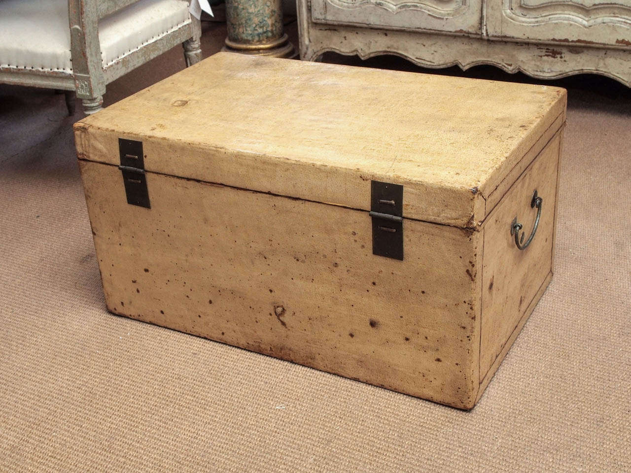Late 19th Century Chinese Parchment Trunk For Sale 3
