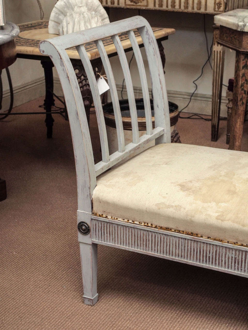 Swedish Early 20th Century Gustavian Style Painted Daybed For Sale