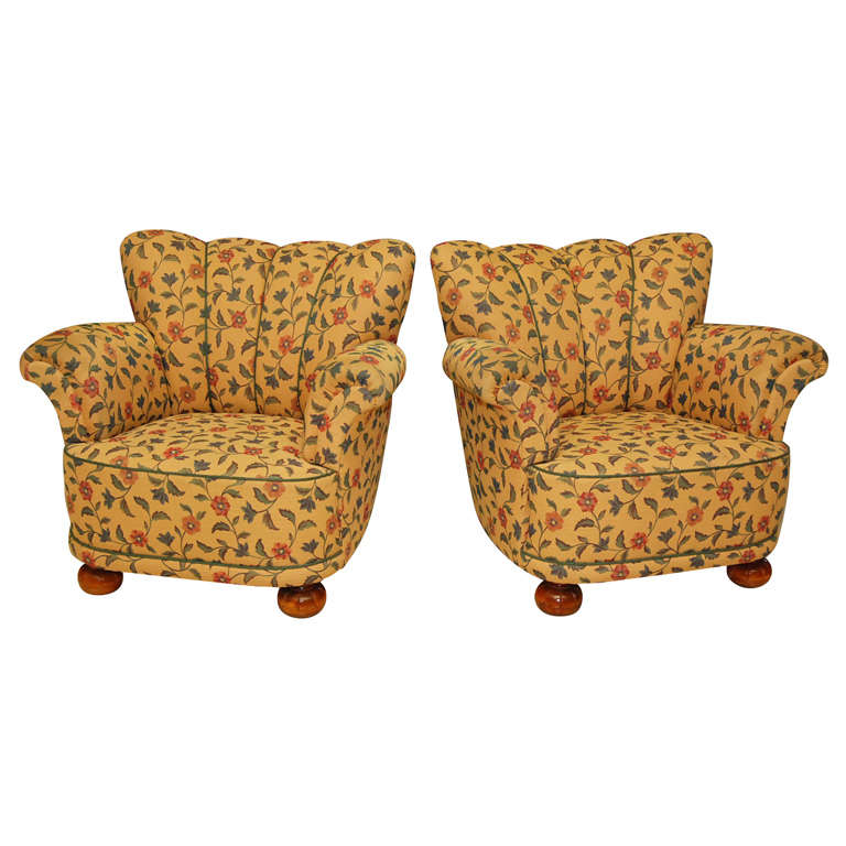 Pair of Floral Armchairs at 1stdibs