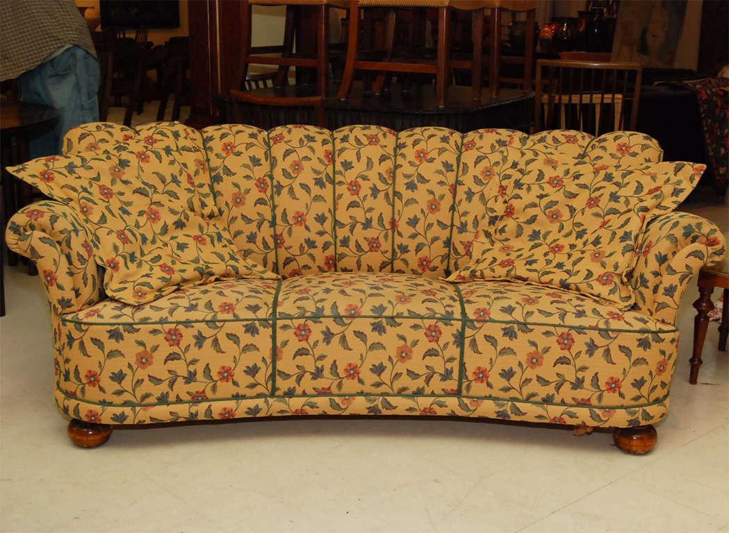 Floral Sofa At 1stdibs