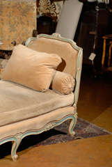 Elegant French Daybed thumbnail 5