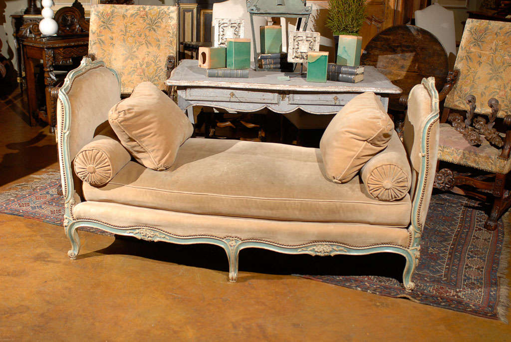 Elegant French Daybed image 6