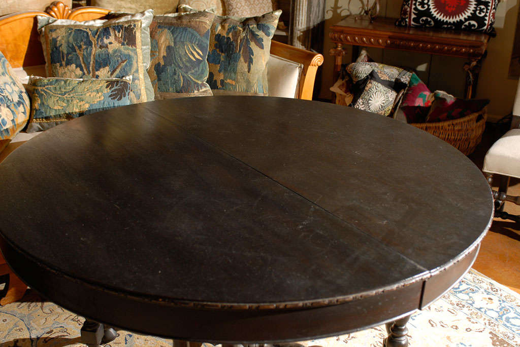 French Dark Wood Round Dining Table With Five Leaf Extensions And Turned Legs For Sale At 1stdibs