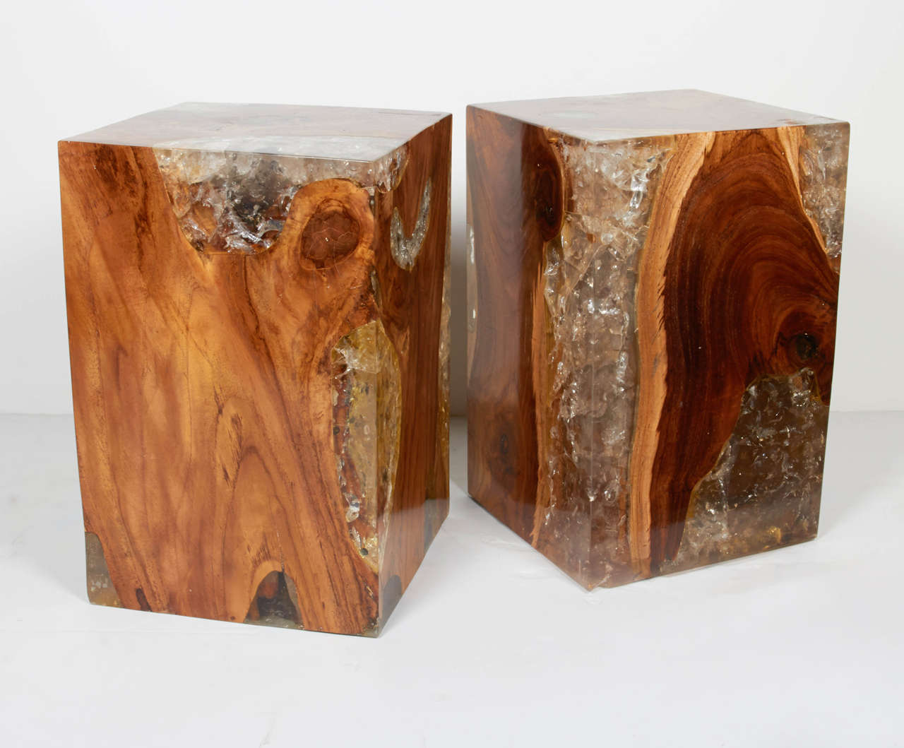 Amazing Pair Of Modern Organic Teak Wood And Cracked Resin Side Tables 3