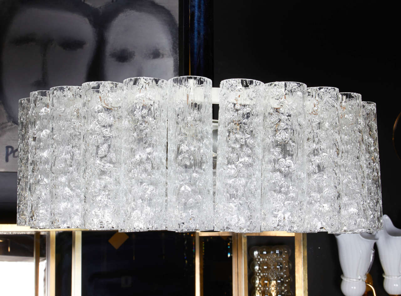 Elegant German Mid-Century Modern Textured Glass Chandelier For Sale 1