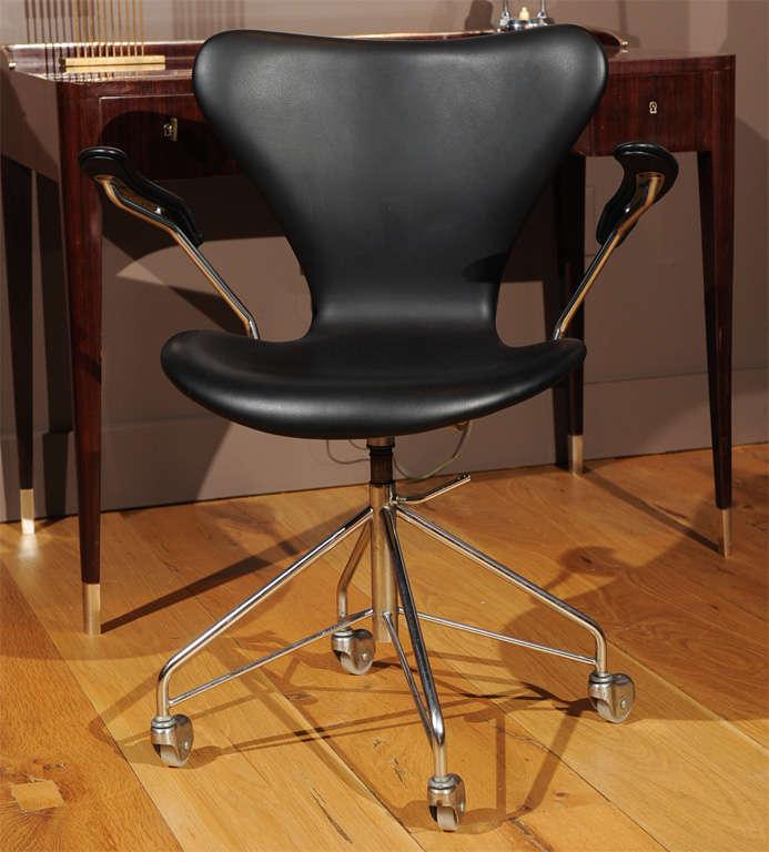 arne jacobsen office chair. Danish Arne Jacobsen - Office Chair, Series 7, Model 3217 For Sale Chair A
