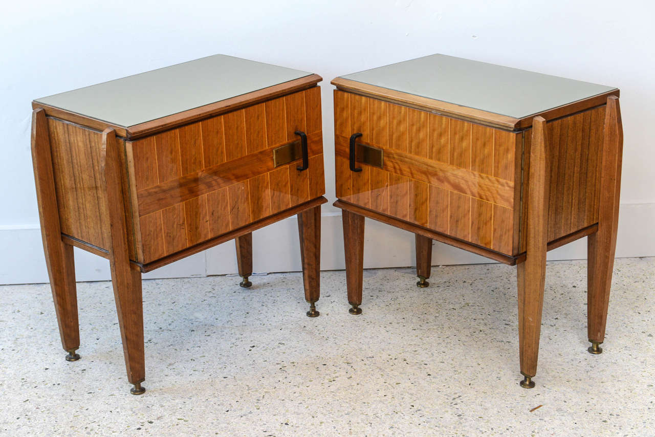 Pair of Italian Modern Inlaid Mixed Wood and Bronze Night Tables, Dassi For Sale 1