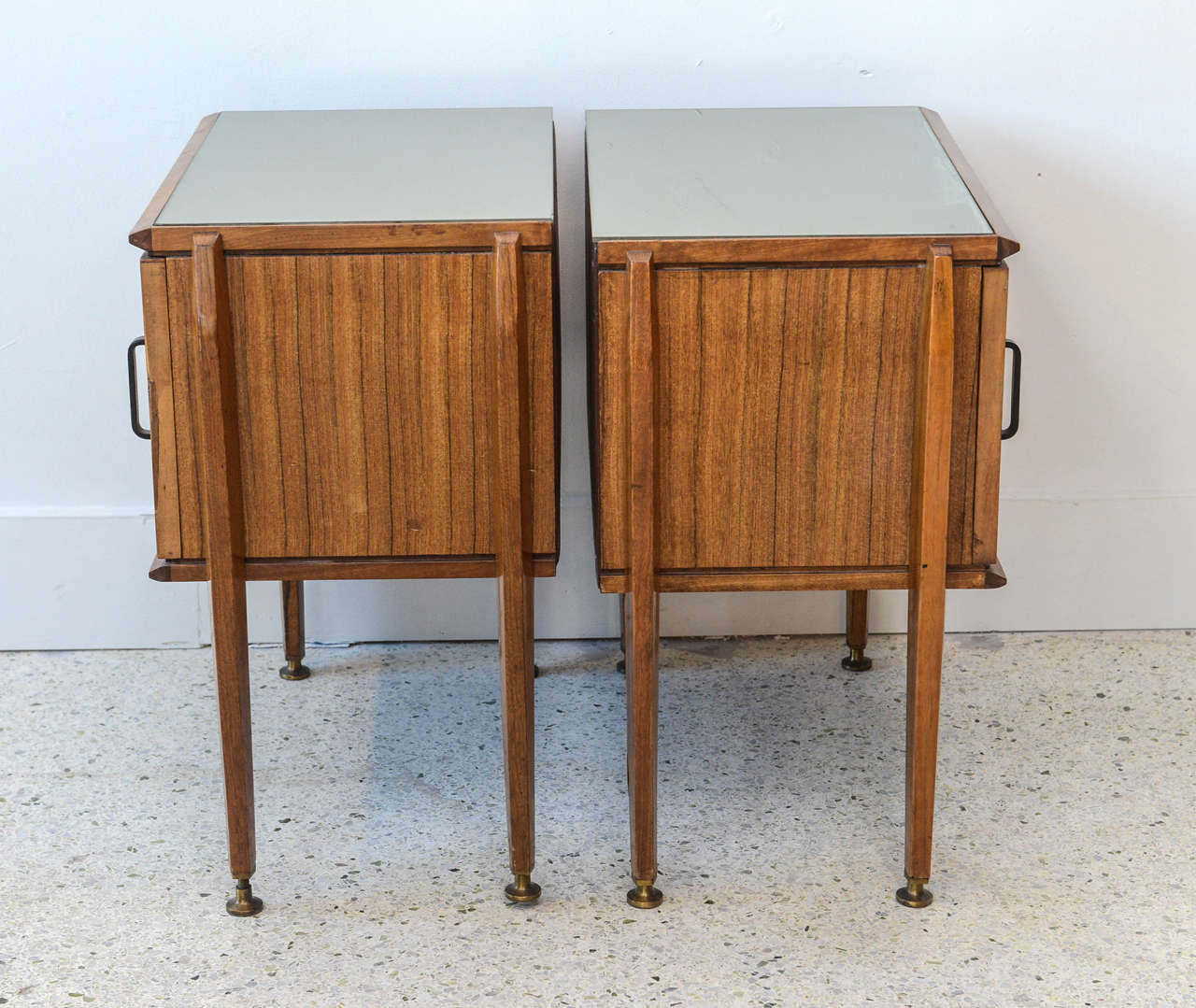 Pair of Italian Modern Inlaid Mixed Wood and Bronze Night Tables, Dassi For Sale 4