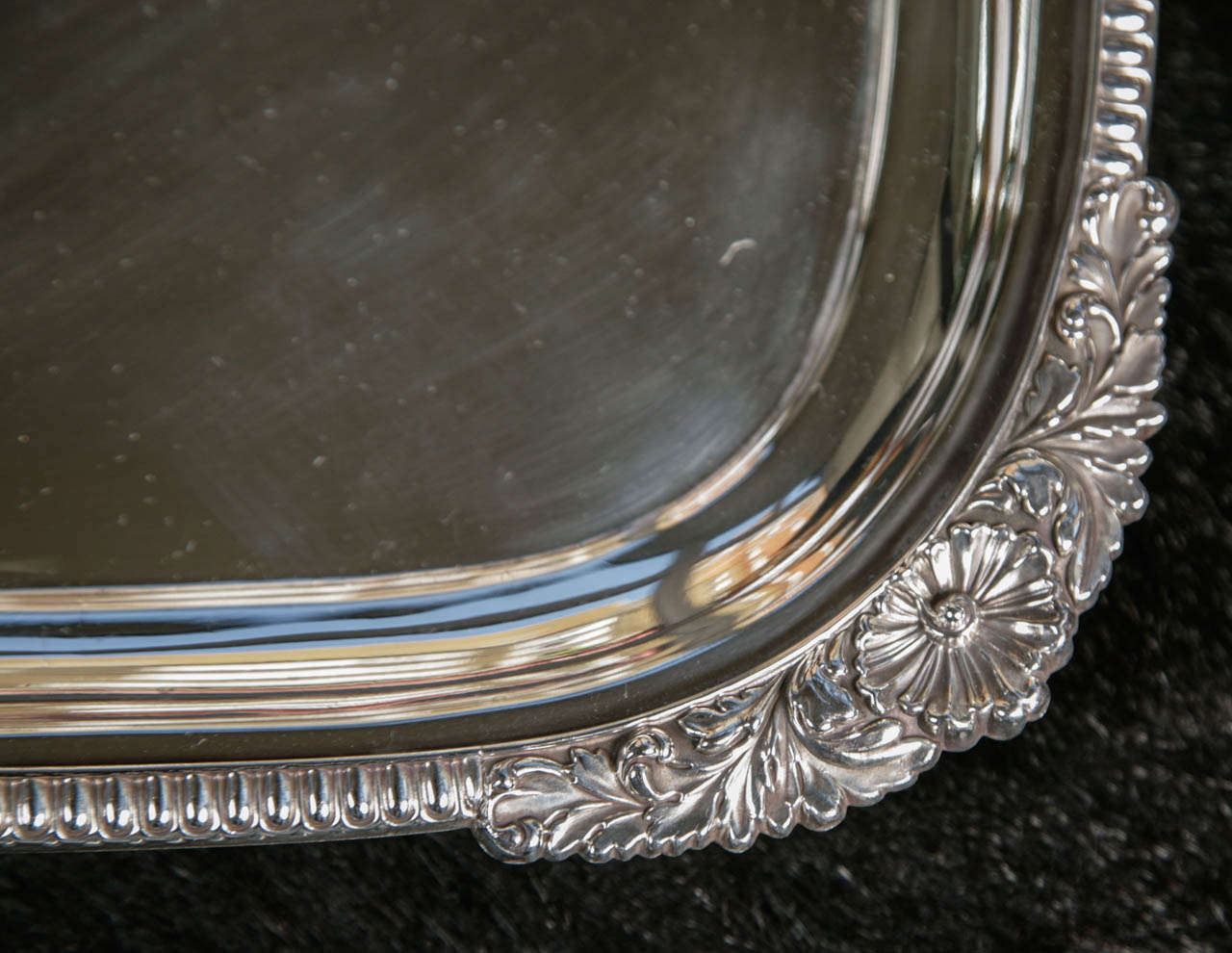 Silver Plate Server In Excellent Condition For Sale In London, GB