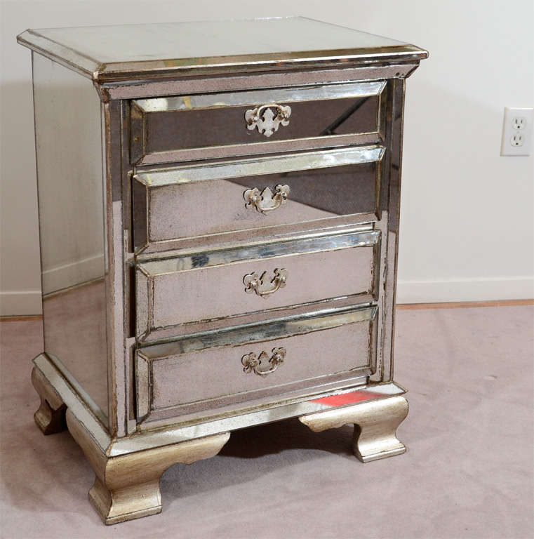 pair of vintage four drawer mirrored nightstands image 2. Black Bedroom Furniture Sets. Home Design Ideas