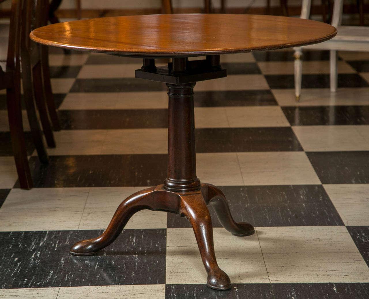 English Mahogany Tilt-Top Table For Sale 4