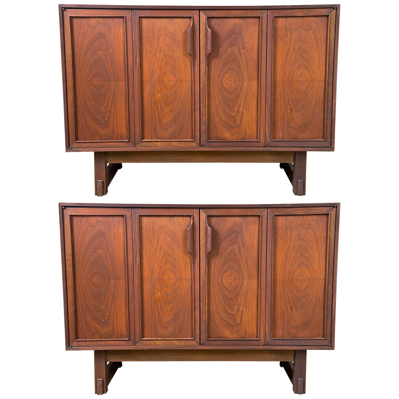 Pair Of MidCentury Modern Chests By RN Richardson Bros At Stdibs - Richardson brothers bedroom furniture