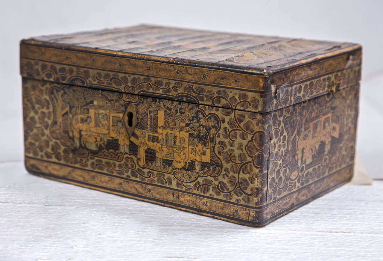 A beautiful finely made 19th century chinoiserie antique humidor that can be used as a jewelry box. Wonderfully decorated and in fine condition.