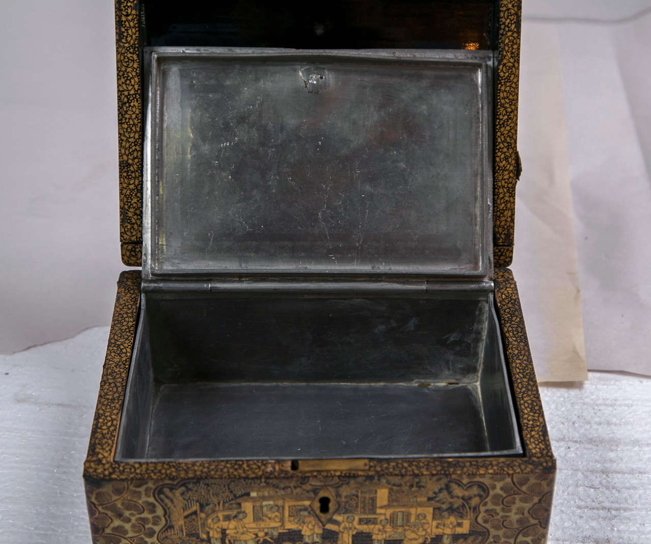 19th Century Chinoiserie Antique Humidor Jewelry Box For Sale 2