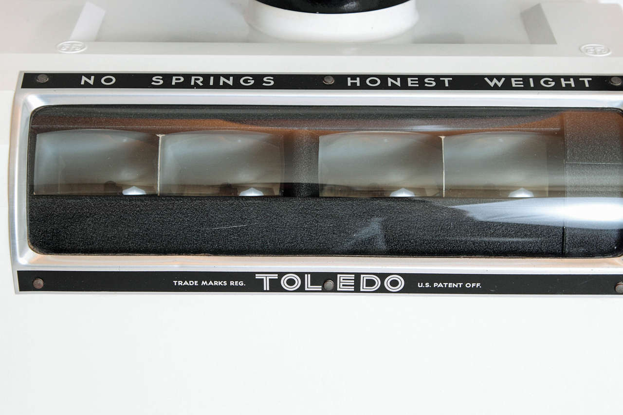 Near Mint Toledo Deco Scale by Van Doren and Rideout with