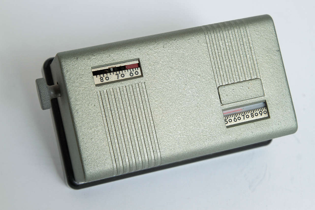 Machine Age Art Deco Industrial Design Patented Henry Dreyfuss Thermostats For Sale 3