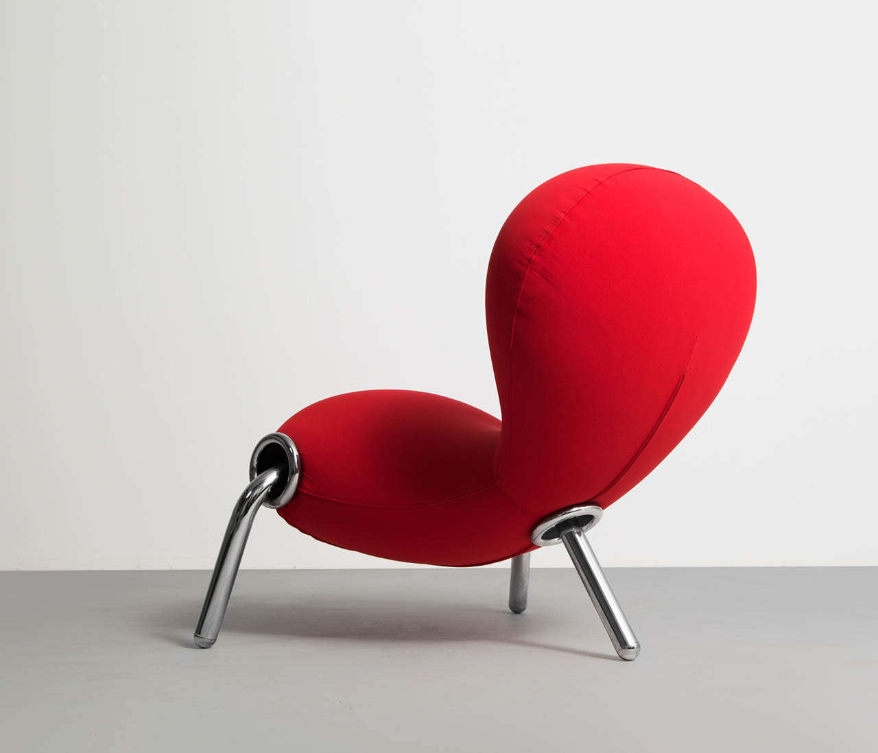 red embryo lounge chair by marc newson for cappellini