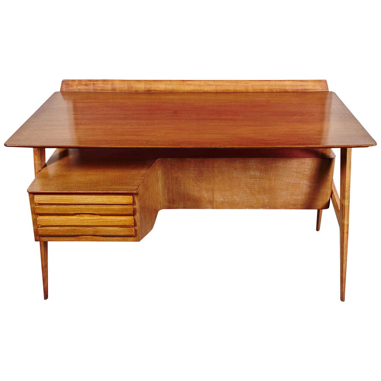 Elegant Desk In Mahogany Designed By Vittorio Dassi 1940s