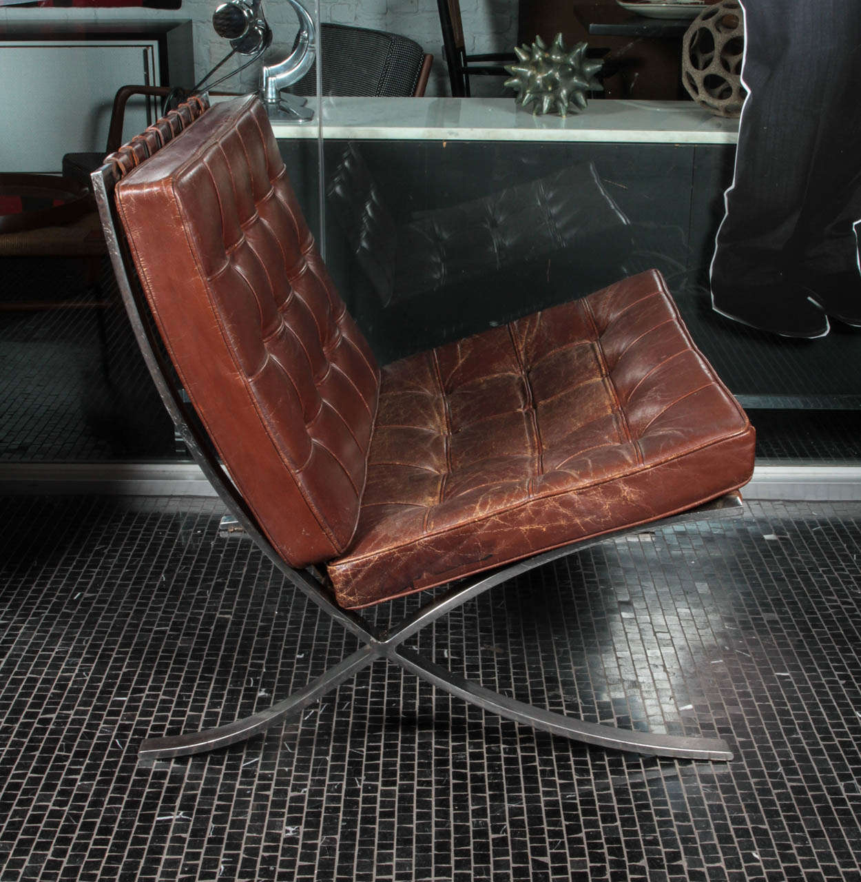 Attirant American Brown Leather Barcelona Chair By Ludwig Mies Van Der Rohe For  Knoll For Sale