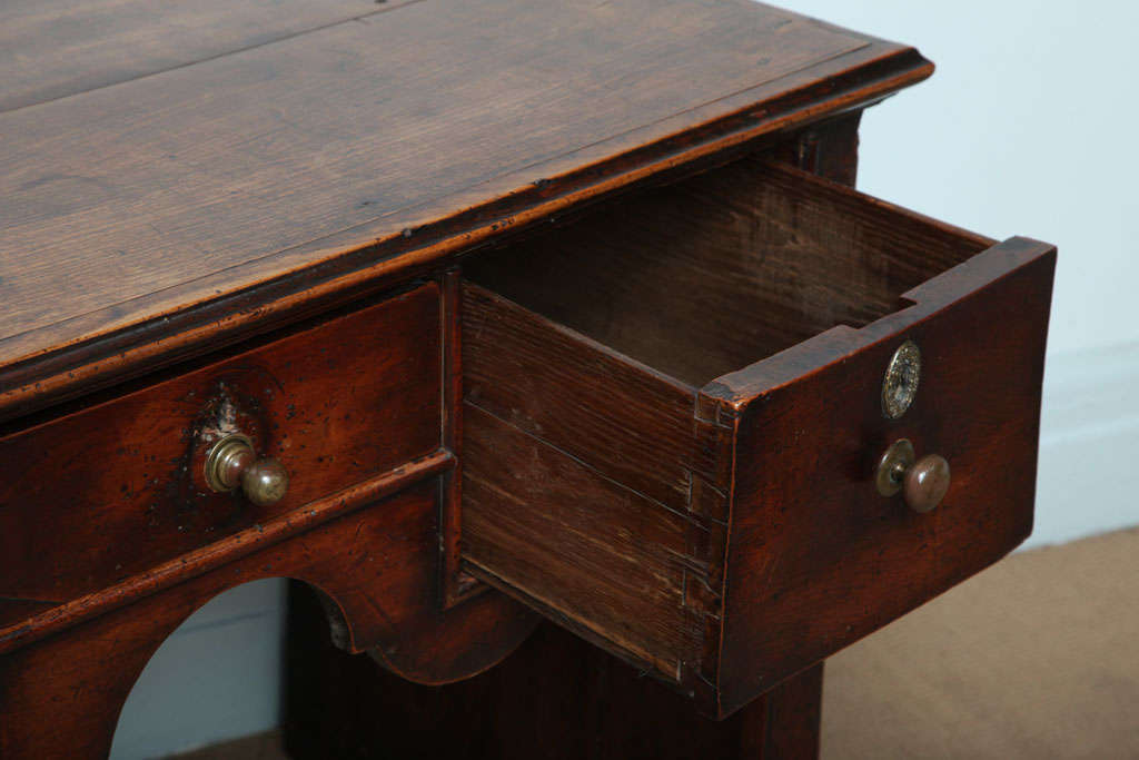 18th c. English Solid-Side Fruitwood Lowboy For Sale 2