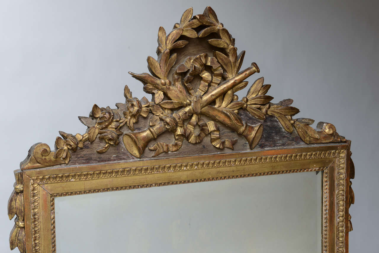 French Louis XVI Neoclassical Giltwood Mirror For Sale